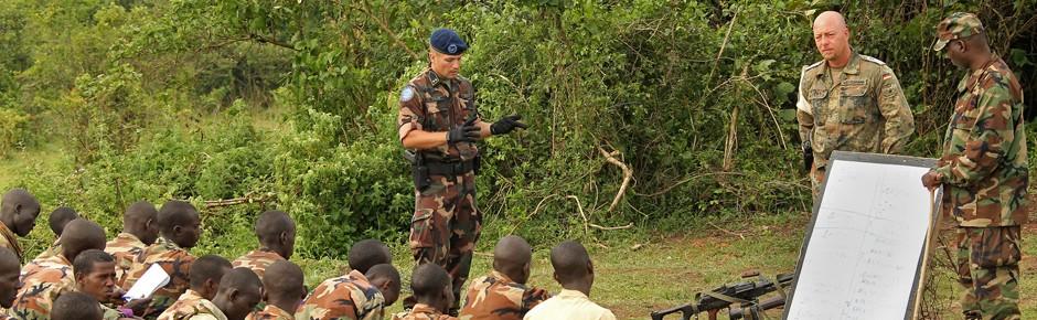 """Bundeswehreinsatz in Somalia noch """"in der Prüfungsphase"""""""
