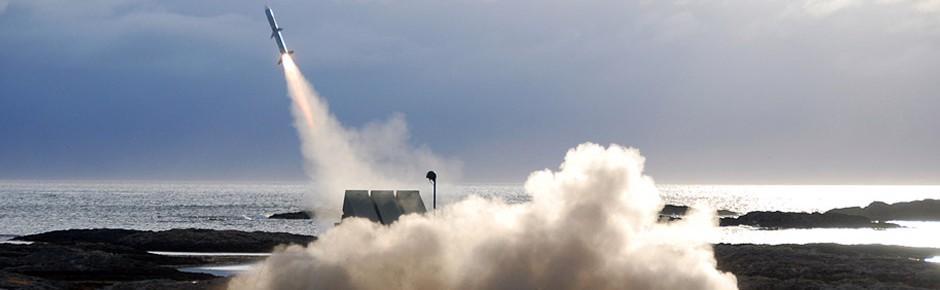 Flugkörperschießen der Marine im Norden Norwegens