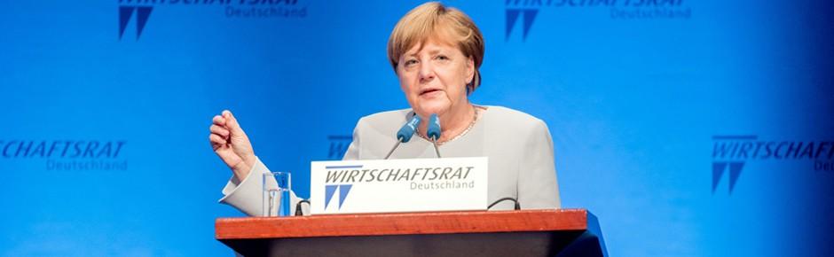 Bundeskanzlerin Merkel tritt für höheren Wehretat ein