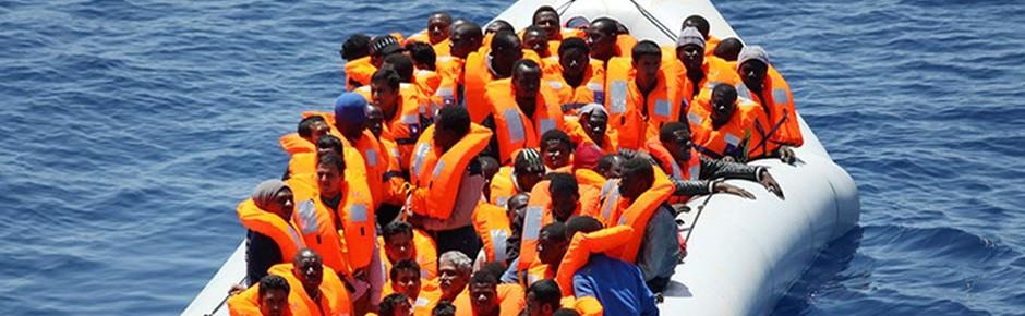 """Tender """"Rhein"""" rettete 1181 Flüchtlinge aus Seenot"""