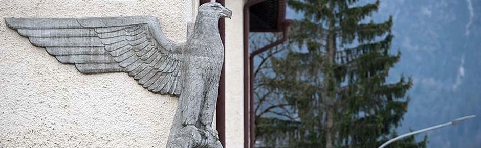 Bad Reichenhall: Wirbel um Landsergemälde und NS-Adler