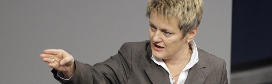 18. Bundestag: Tausende Fragen an die Bundesregierung
