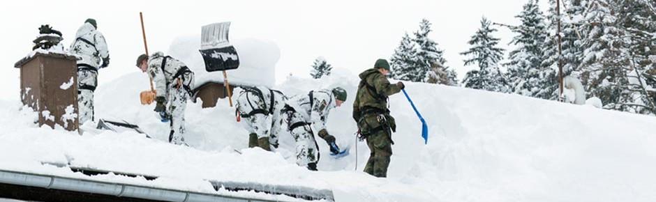 Schneechaos löst militärischen Katastrophenalarm aus