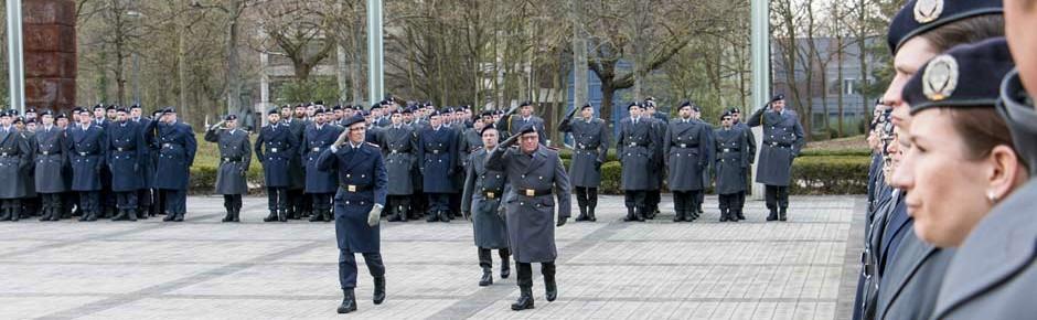 Chefwechsel beim Kommando Informationstechnik in Bonn
