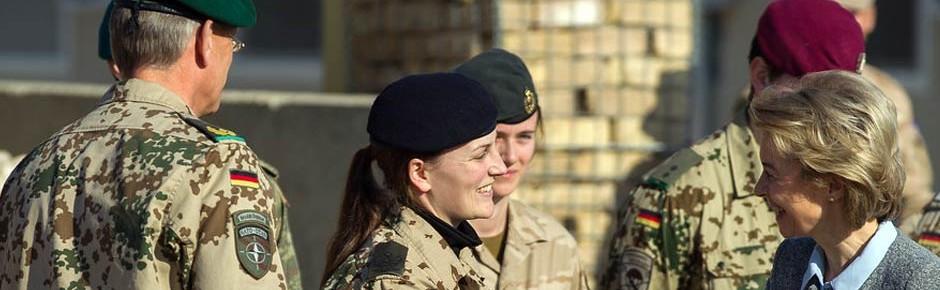 Bisher mehr als 8000 deutsche Frauen im Afghanistaneinsatz