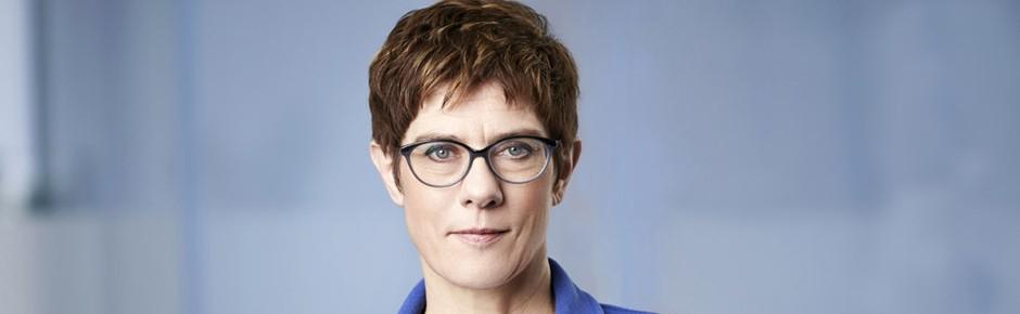 Annegret Kramp-Karrenbauer wird Verteidigungsministerin