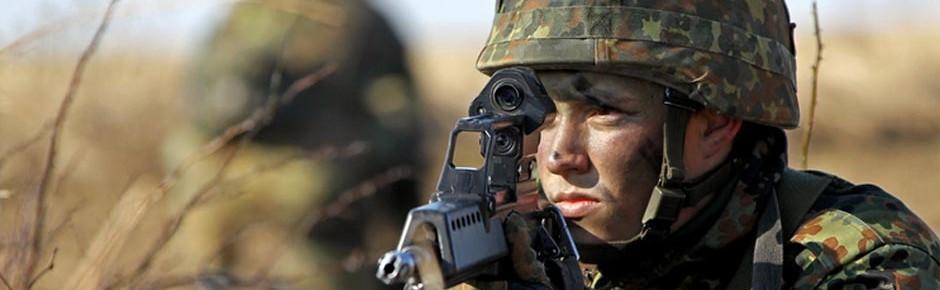Verteidigungsministerin gegen Rückkehr zur Wehrpflicht