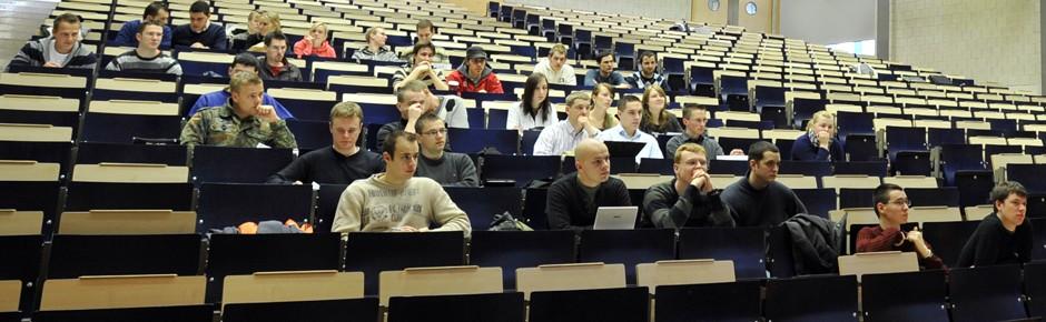 Erster Studiengang für künftige Piloten der Bundeswehr
