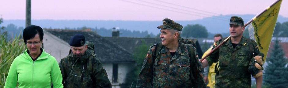 """""""Marsch der Verbundenheit"""" für die Soldaten im Einsatz"""