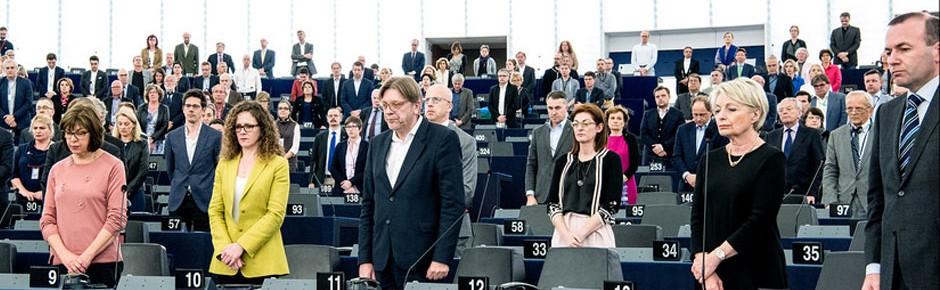 Schweigeminute im Europaparlament für alle Terroropfer