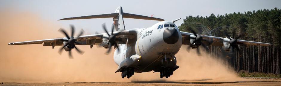 Militärtransporter A400M besteht auch Probe auf Sandpiste