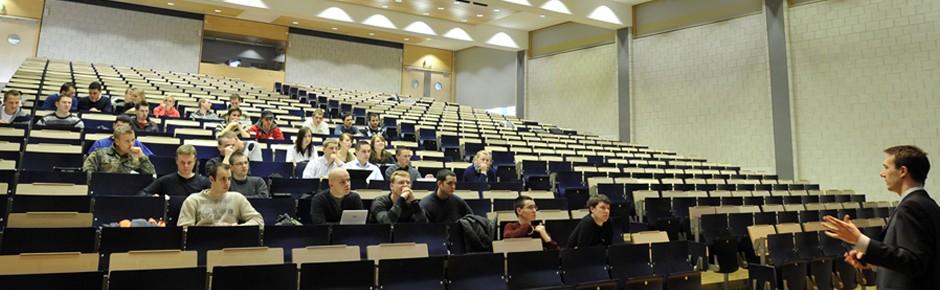 7365 Bundeswehrangehörige studieren an Hochschulen