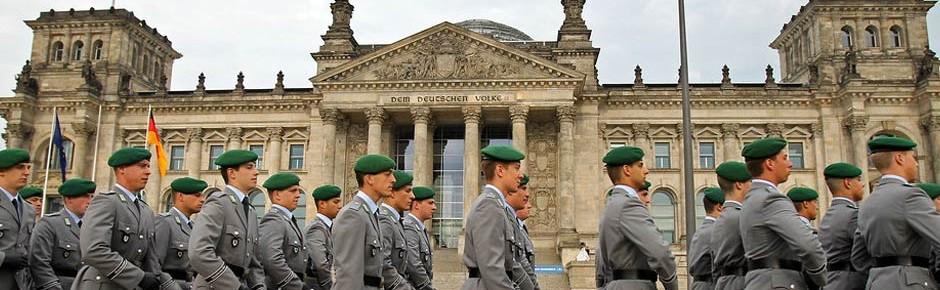 Öffentliche Gelöbnisse am Gründungstag der Bundeswehr