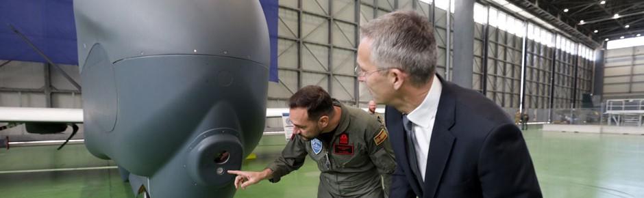 Zweite Global Hawk für die NATO in Sigonella gelandet