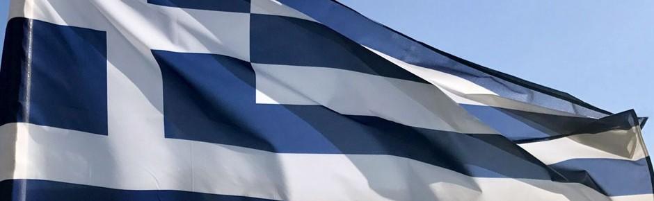 Kreta: Griechische Flagge gegen deutsche Flagge ausgetauscht